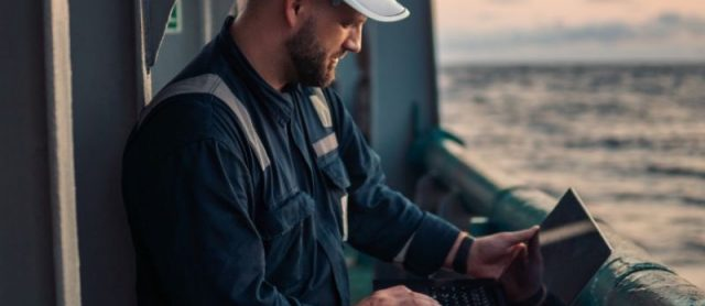 Inmarsat signs deal with Tapiit Live to provide live stream training for seafarer at sea
